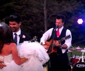 David Fraser singing at wedding